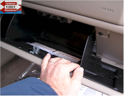 GMC Yukon How to Repair Antenna